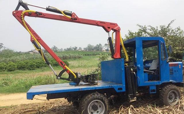 农用四驱车改装抓甘蔗机