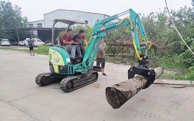 挖掘机 改装夹木器