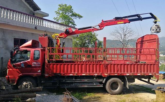 6.8米高栏加装七米两节伸缩抓木机