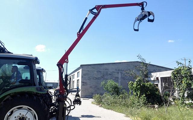 拖拉机悬挂 吊臂式抓木机