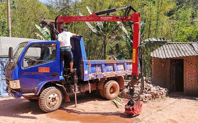 货车改装旋转抓竹机